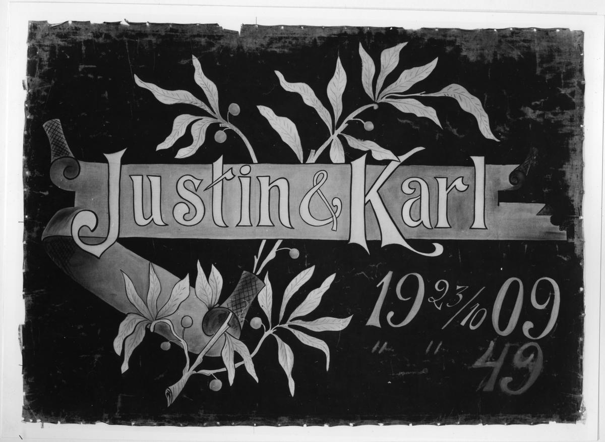 Bröllopsbanderoll vid Carl och Justina Rydboms bröllop den 23 oktober 1909 i Björnboholm, St Lundby.