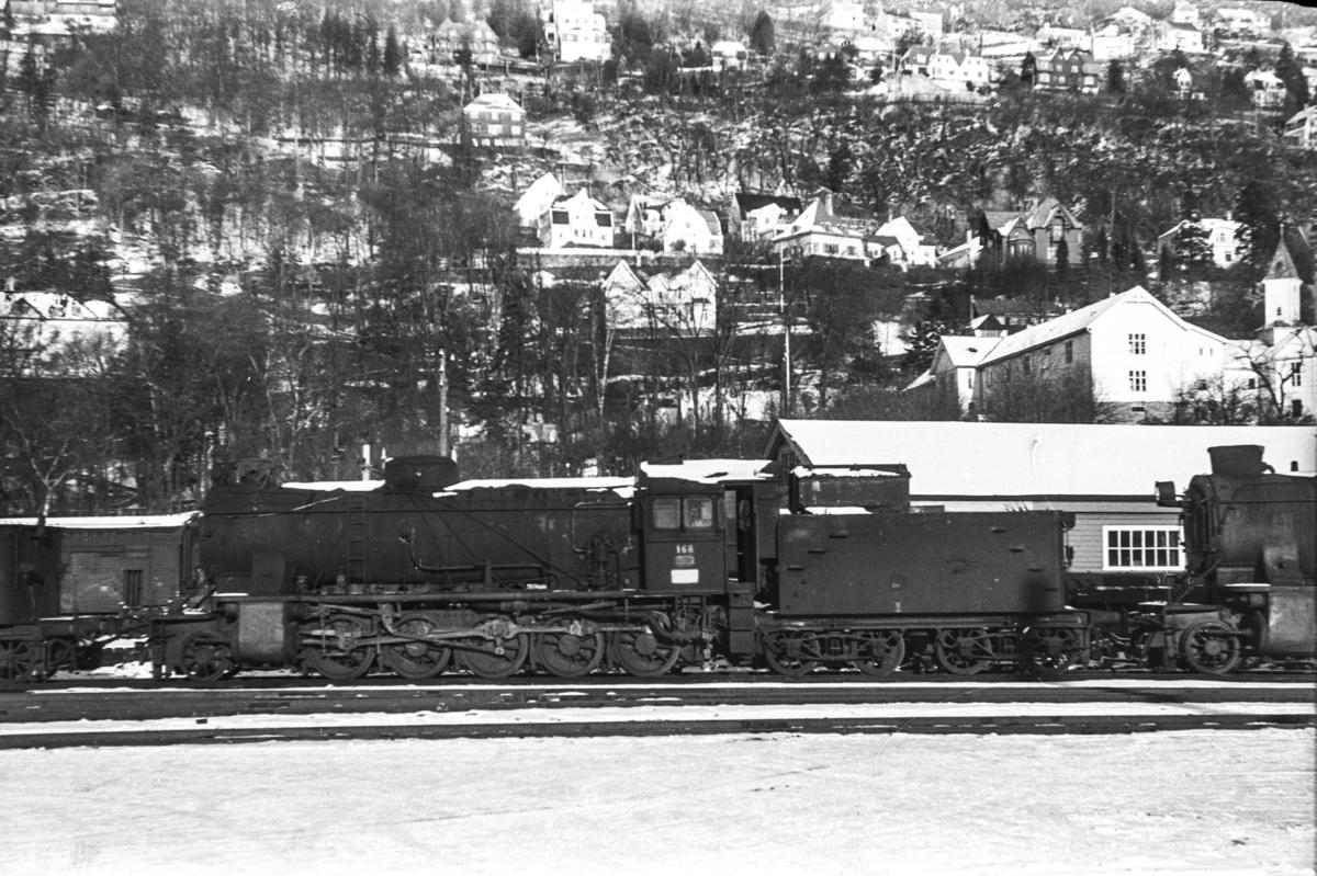 Utrangert damplokomotiv type 39a nr. 168 på Bergen stasjon