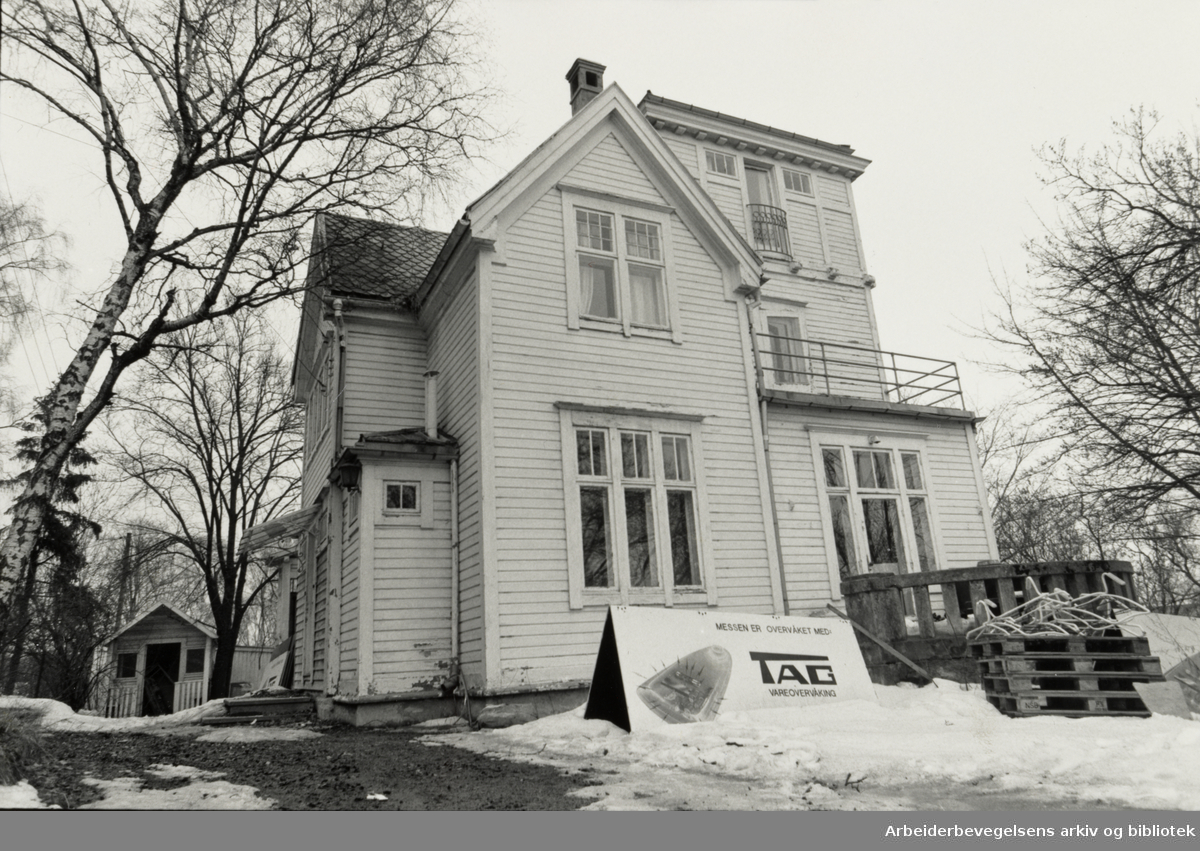 Drammensveien 167. April 1985