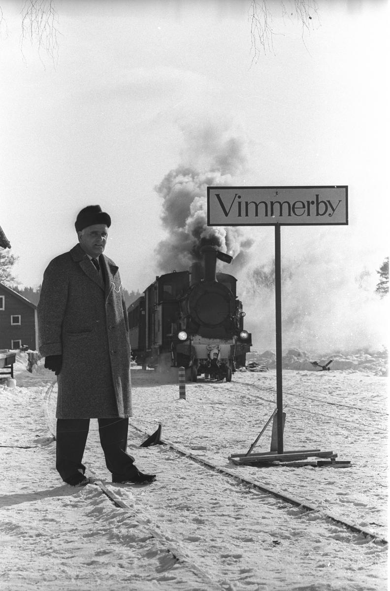 Filmning i Knutby av tyskt filmbolag. Stockholm Roslagens Järnvägar, SRJ lok 24