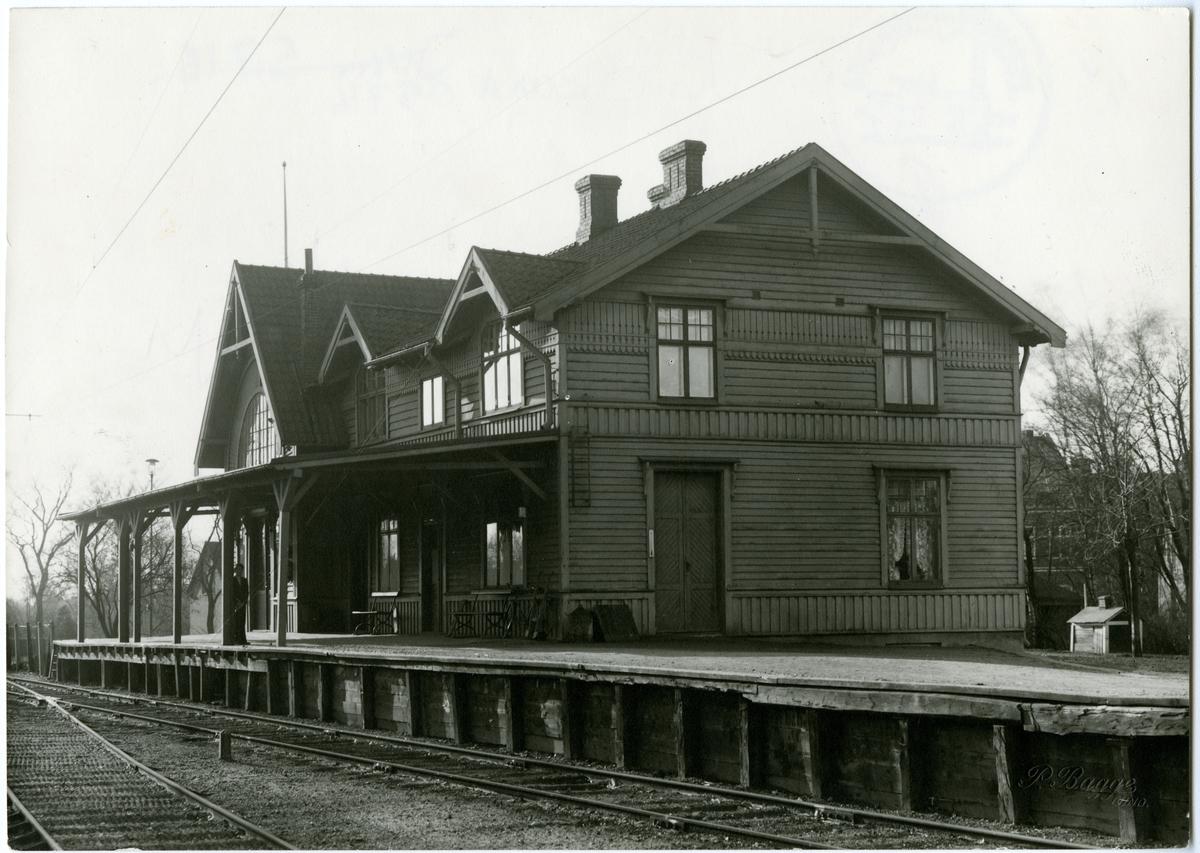 Lund - västra stationen. Stationshus i trä byggt 1901