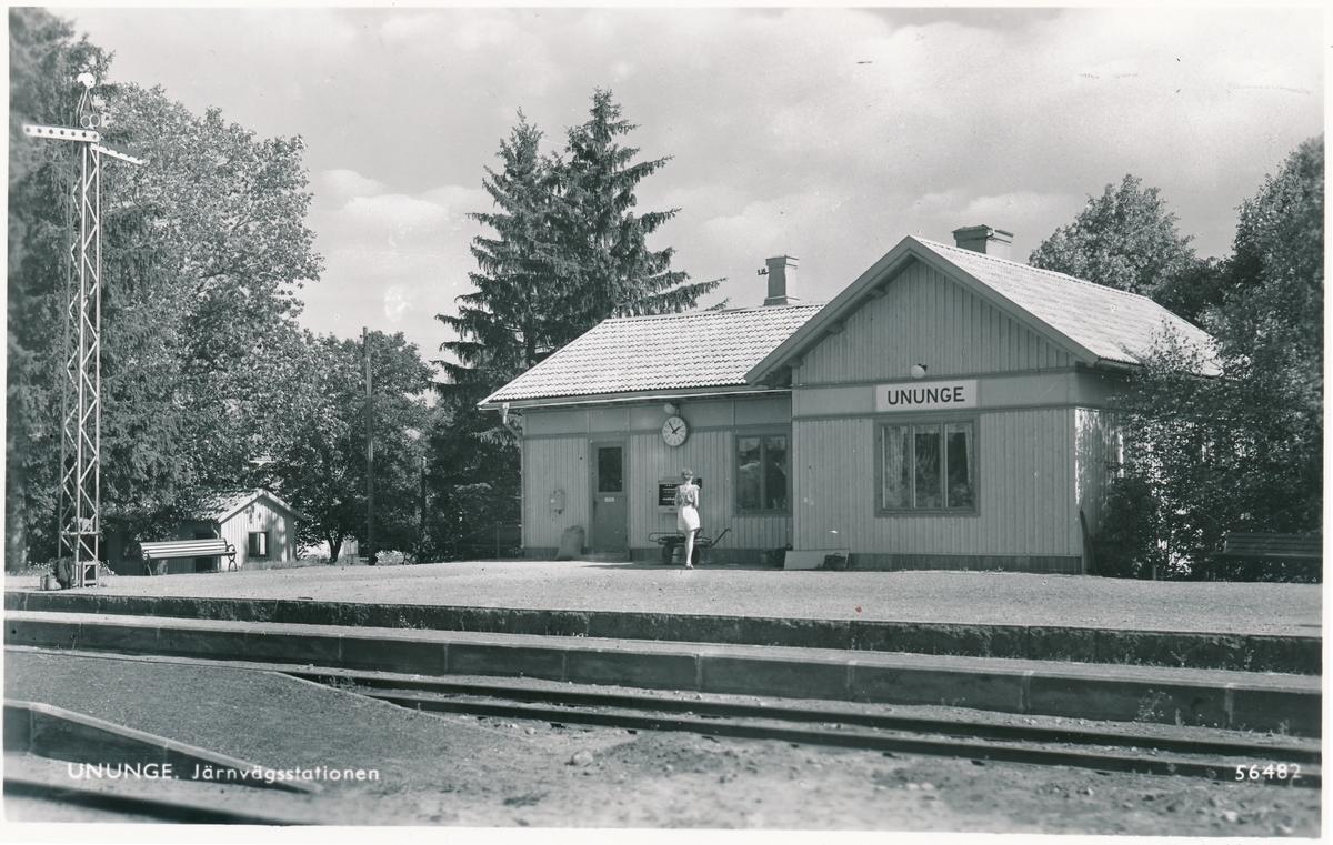 Ununge station
