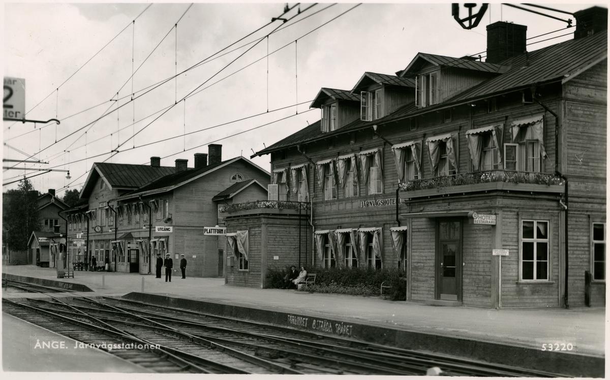 Ånges station och hotell.