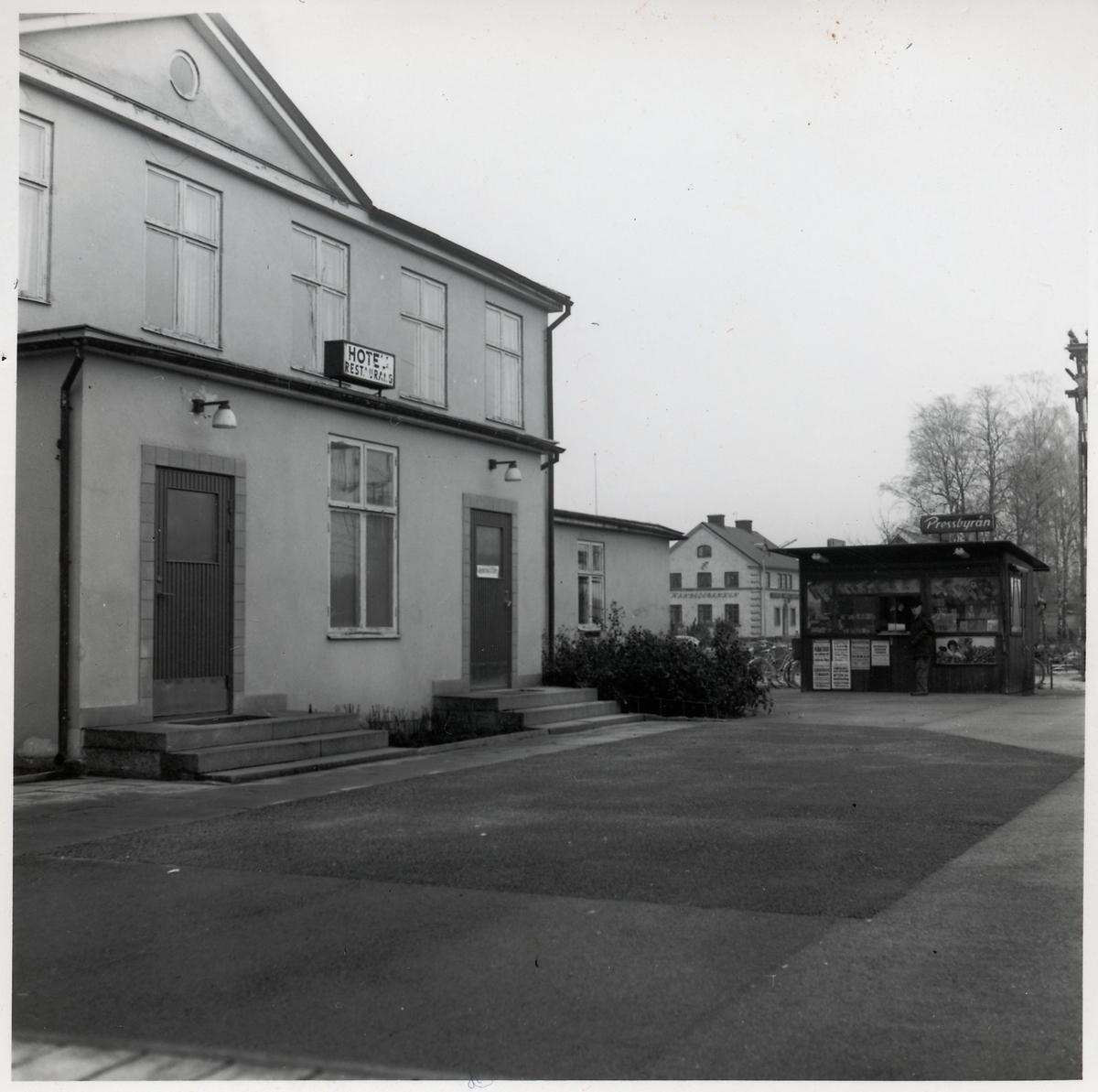 Hotell och Pressbyrå.