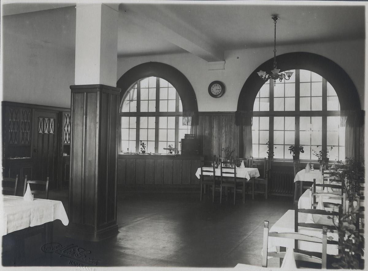 Interiörbild från matsalen Haparanda stationshus.