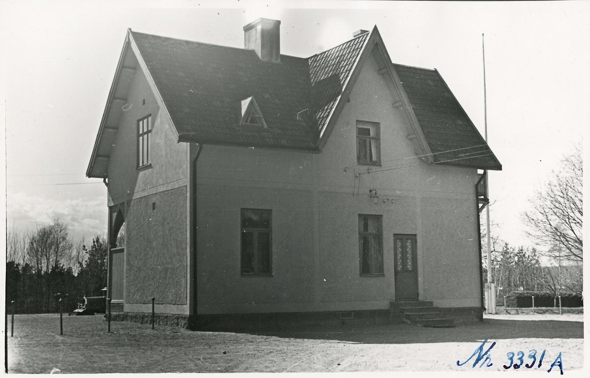 Södra Vi stationshus, fasad mot gatusidan.