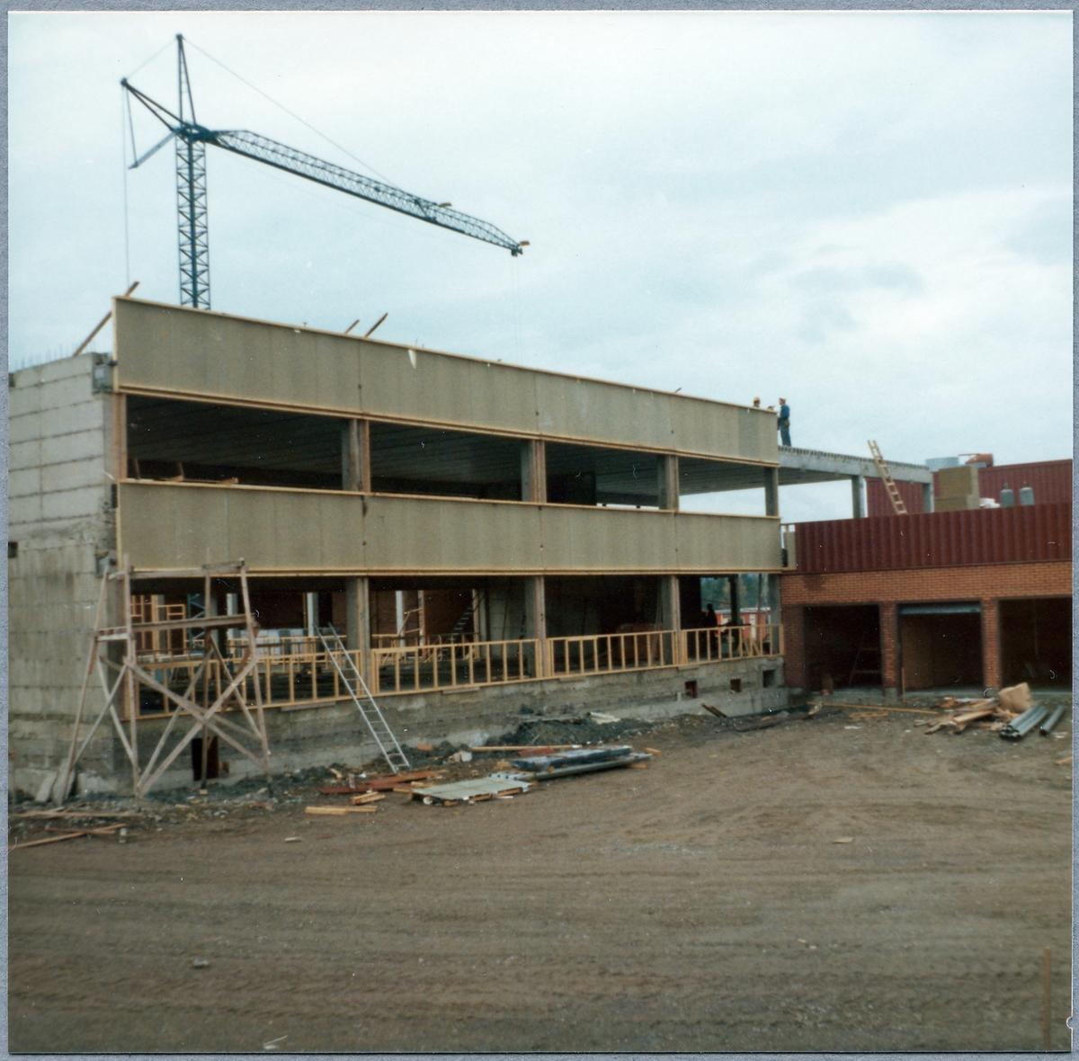 Byggandet av Statens Järnvägar, SJ Huvudverkstad.