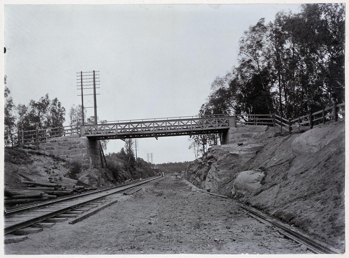 Vägbro vid Flemingsberg 1902.