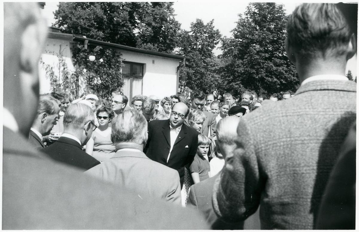 Invigningsmottagning med bl a Landshövding Bertil Fallenius och Distriktschef Per Hugo Swartling.