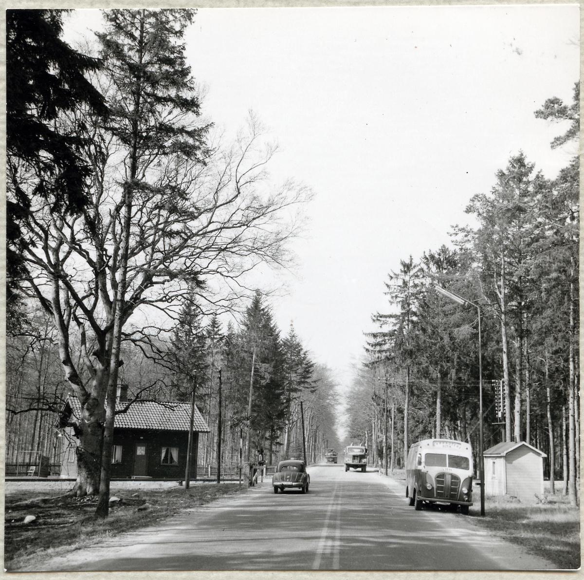 Järnvägsövergång vid Valjevägen i Sölvesborg, på sträckan mellan Håkanryd och Sölvesborg. Banvaktstuga 765.