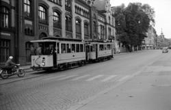 Oslo Sporveier Sporvogn (motorvogn) med tilhenger nr. 484 i