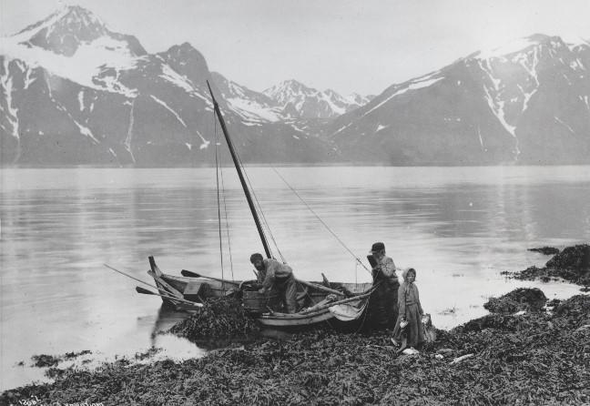 For folks dagligliv har båter vært uunnværlige i kystmiljø. (Foto/Photo)