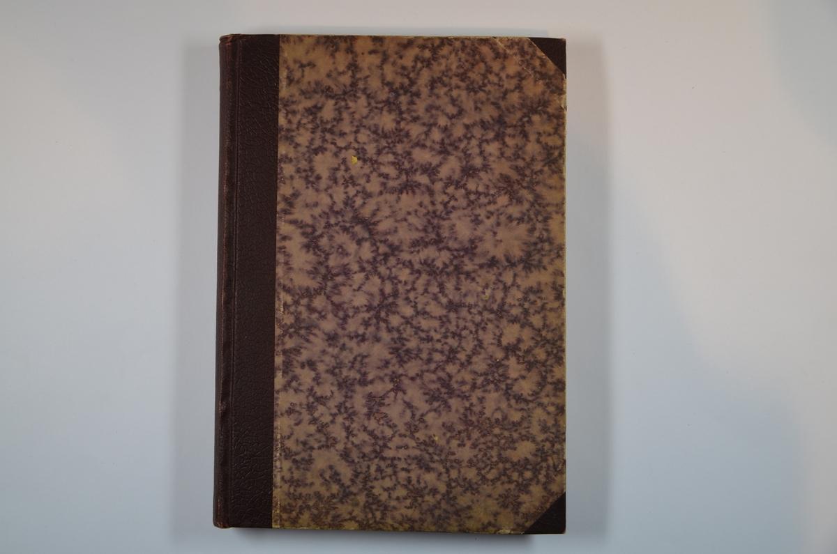 """Boken """"Mase Mentsh"""" (""""massene og mennesket"""") av Ernst Toller. Skrevet på jiddisch, og trykt i Warzawa 1922. Ernst Toller var en tysk-jødisk forfatter og sosialist, best kjent for sine ekspresjonistiske dramaer. Han tok sitt eget liv på et hotel i California i 1939."""