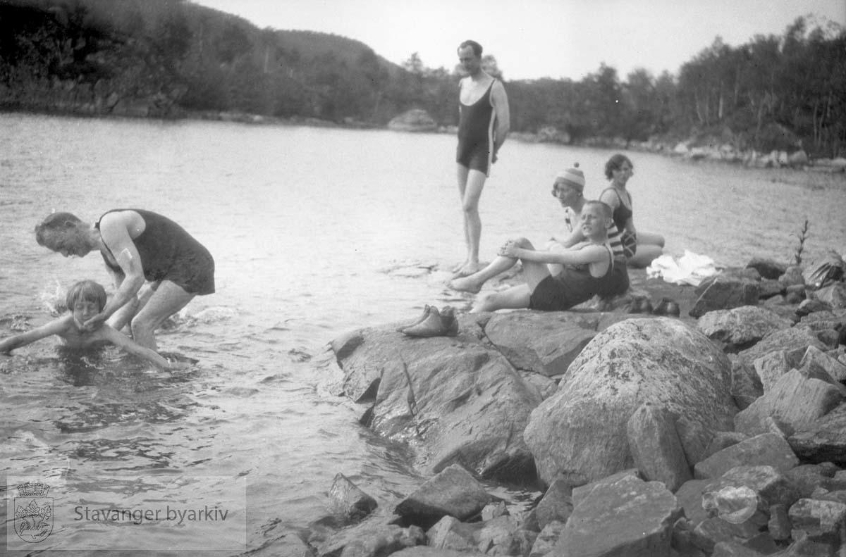 Bading i Alsvik, søndag 29. juli 1929 eller 1930
