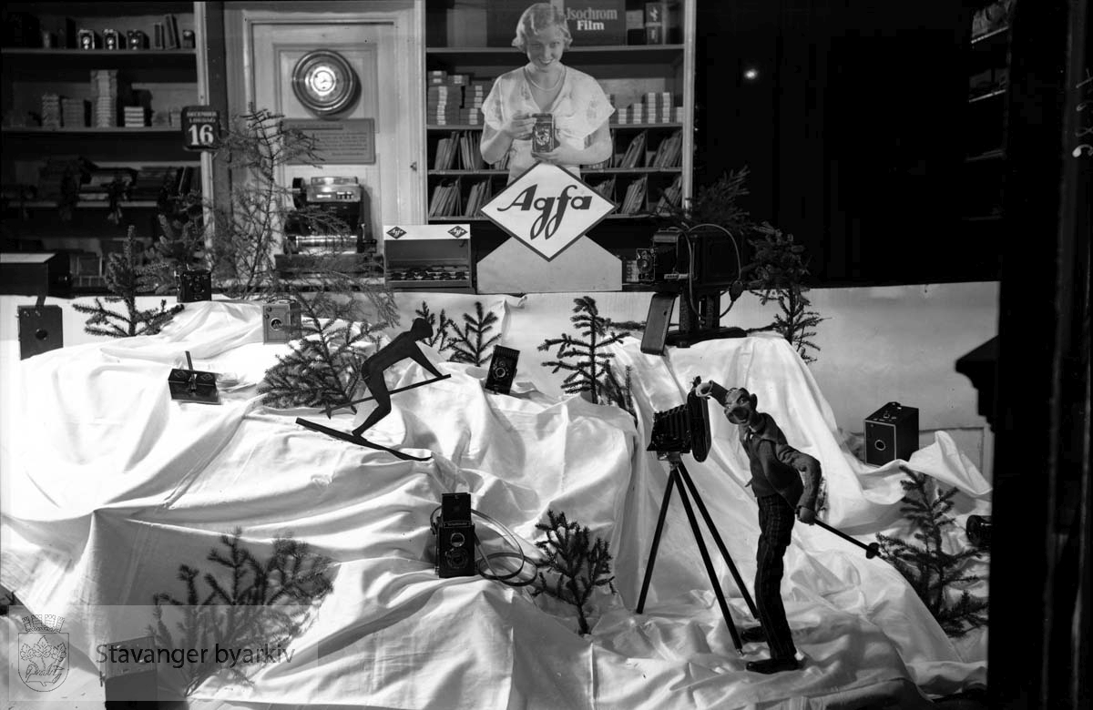 Juleutstillingen hos Hans Henriksen