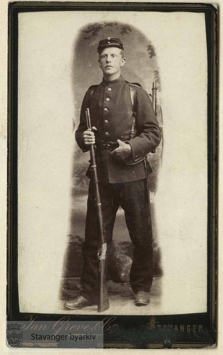 Gabriel T. Monsen som rekrutt