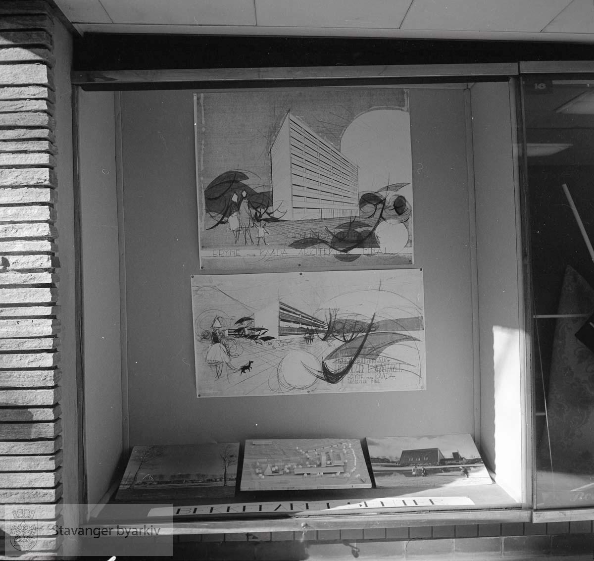 Utstilling i monter fra undergangen
