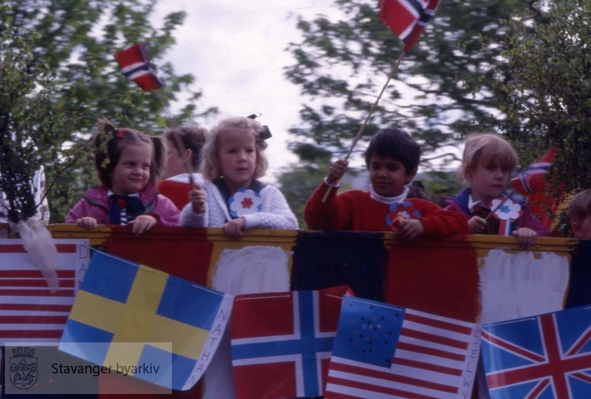 Barn i toget