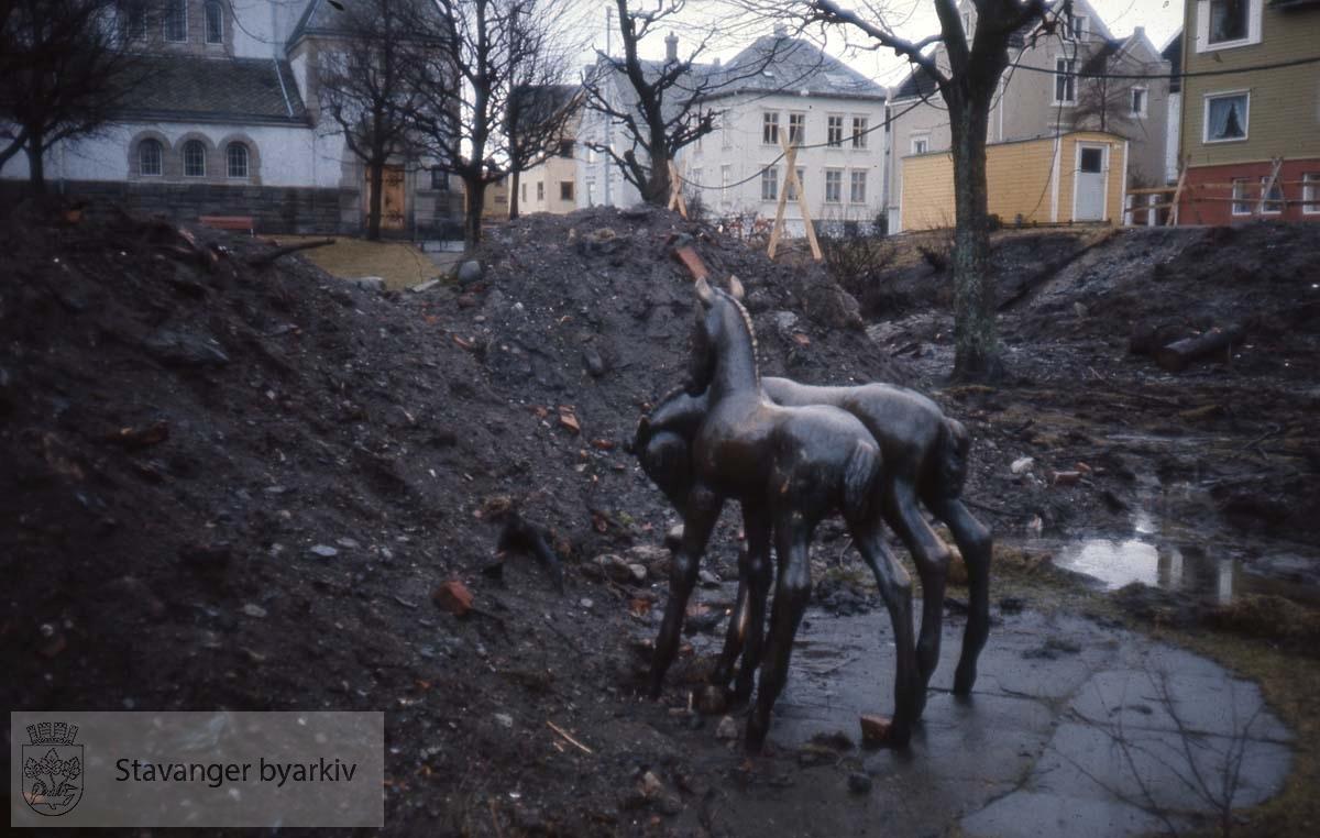 Skulptur av Hugo Frank Wathne i Johannesparken