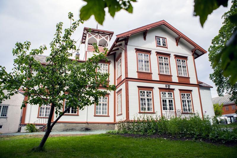 Hovedbygningen_Foto_Jan_Ove_Iversen_IMG_7231_web.jpg. Foto/Photo