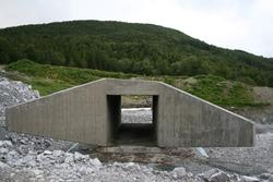 Leirfjord, Leira, Toventunnelen. Kulverten til kuundergangen