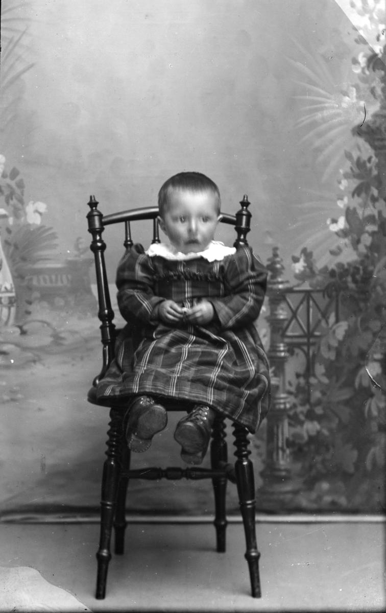 E. Præstengens barn.
