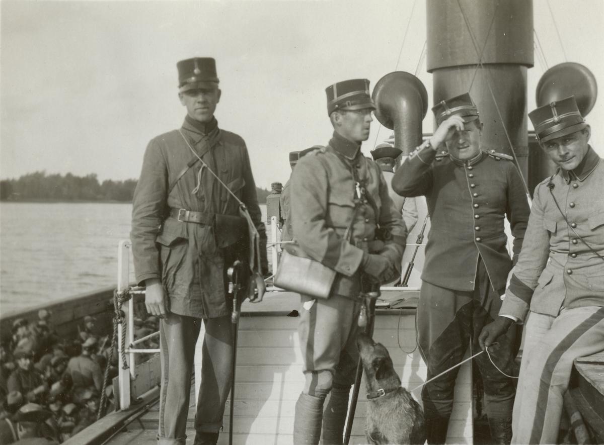 "Text i fotoalbum: ""Regementetsövning 1923""."