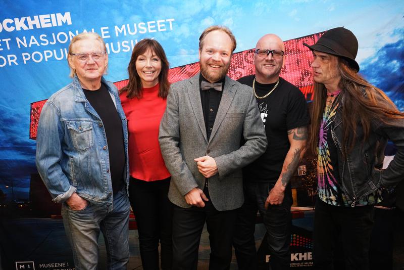 Finn Kalvik, Anita Skorgan og TNT innlemmes i Rockheim Hall of Fame 16. oktober. Her med programleder Jon Niklas Rønning.