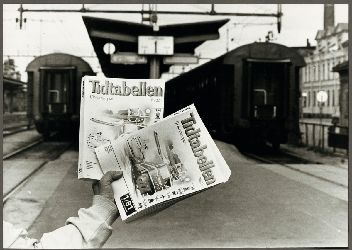 1981 års tjänsteexemplar av Tidtabellen, tidigare Sveriges Kommunikationer.