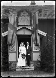 Brudparet rektor Anders Johansson och Christina Nilsson