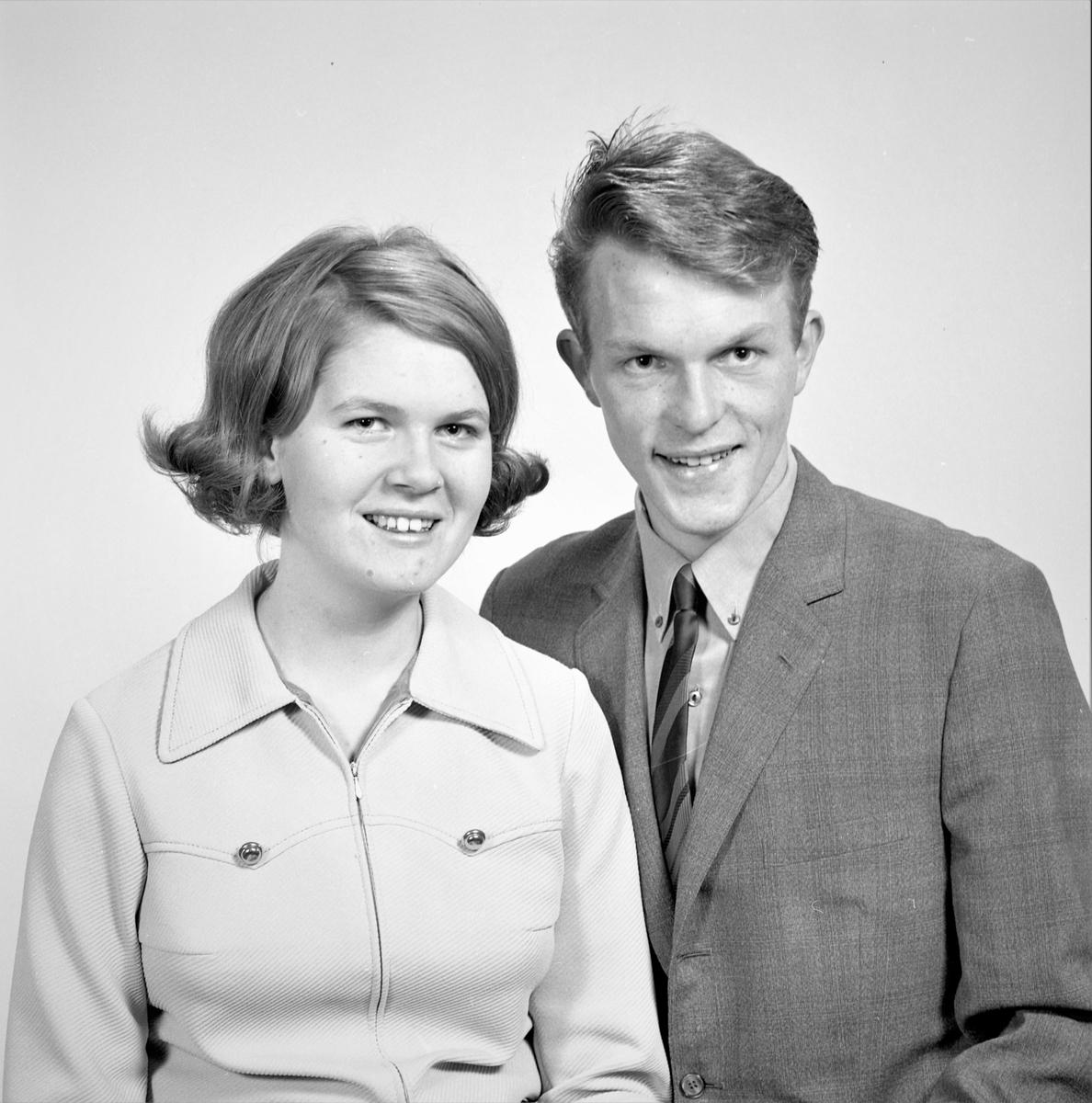 Portrett. Ung kvinne og ung mann. Bestilt av Else Håland. Skåredalen