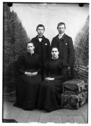 Portrett av Odin Grindgjordet med familie