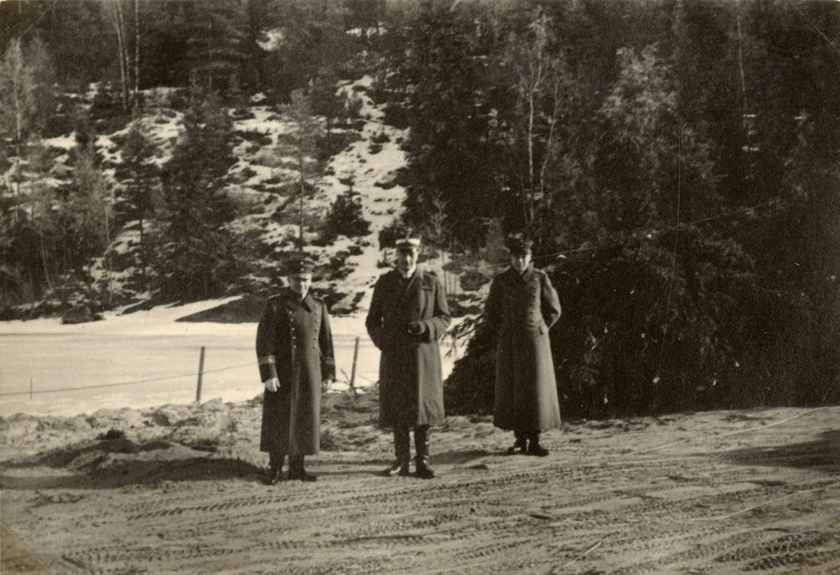 """Text i fotoalbum: """"Studieresa med general Alm till Finland 1.-12. mars 1939."""""""