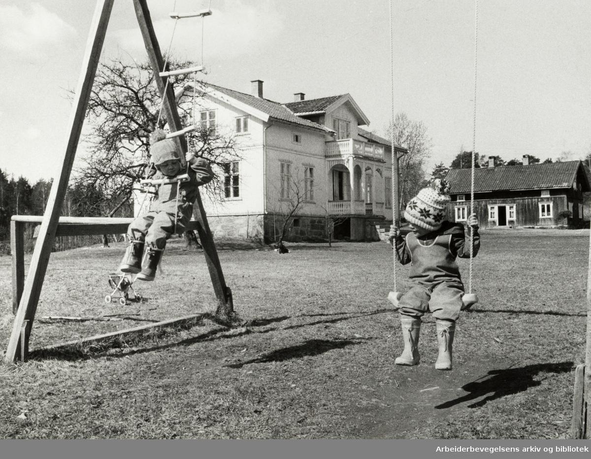 Holmlia. Søndre Ås gård. Mai 1975