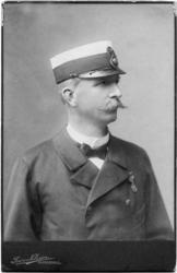 En serie porträtt på brandchef Gustaf Hellgren i olika åldra