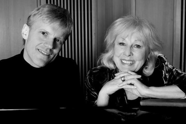 Lise Fjeldstad og Håvard Gimse, svart-hvitt. Foto/Photo
