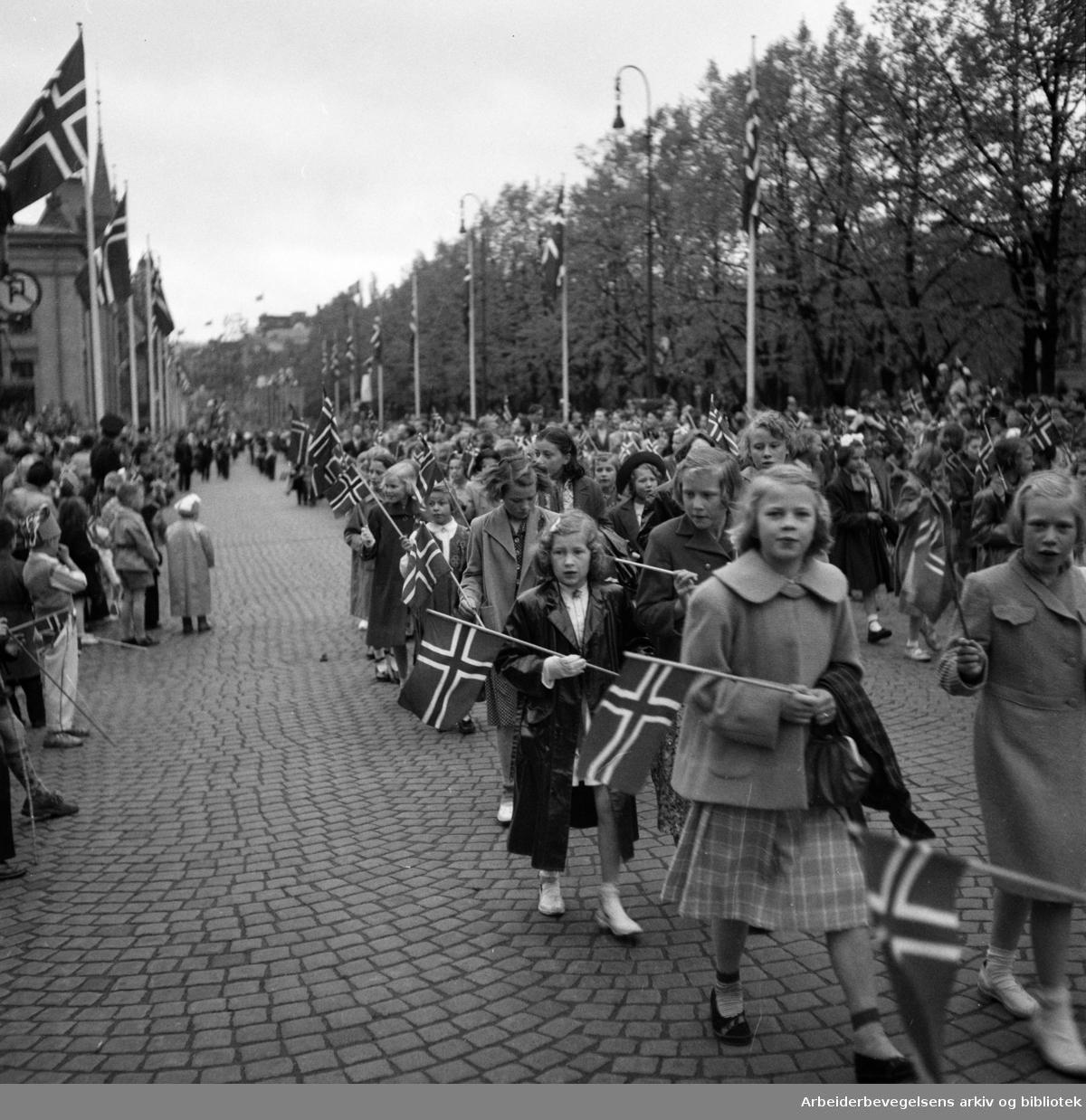 Barnetoget. 17. mai 1953.