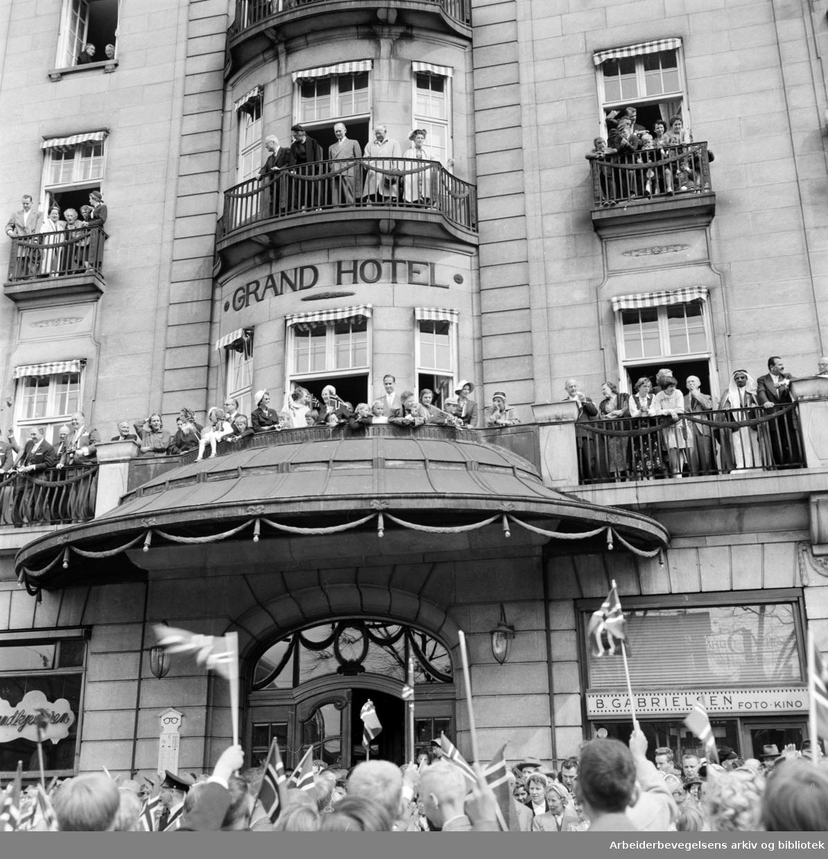 Grand Hotel. 17. mai 1958.