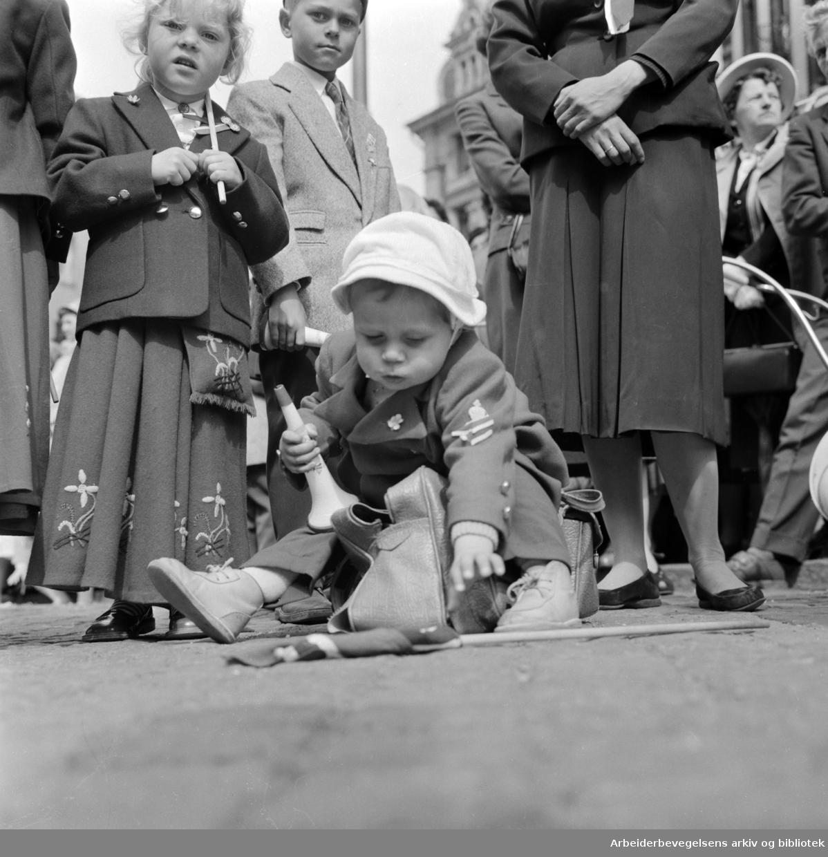 Oslo sentrum. 17. mai 1958.