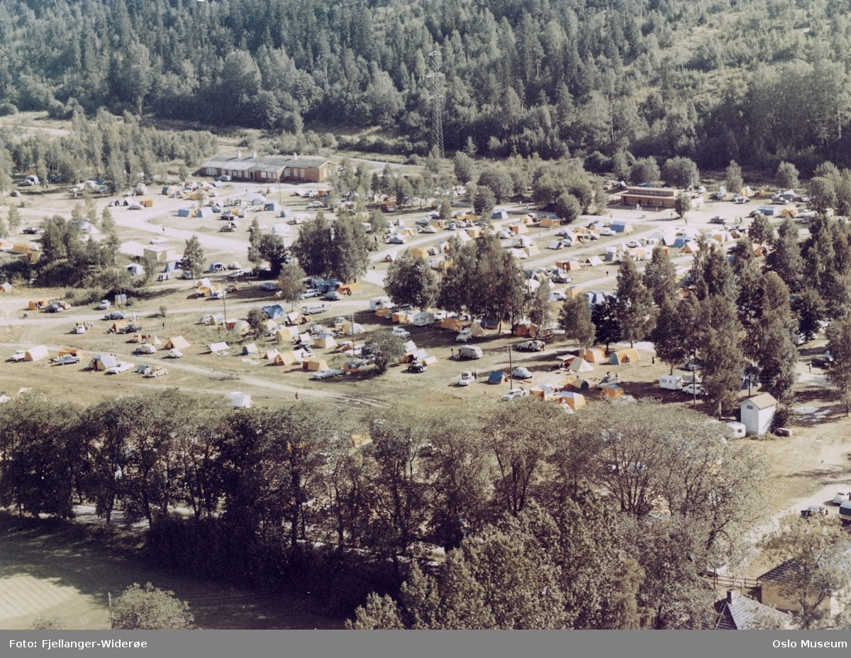 Bogstad Camping, telt, campingvogner, skog