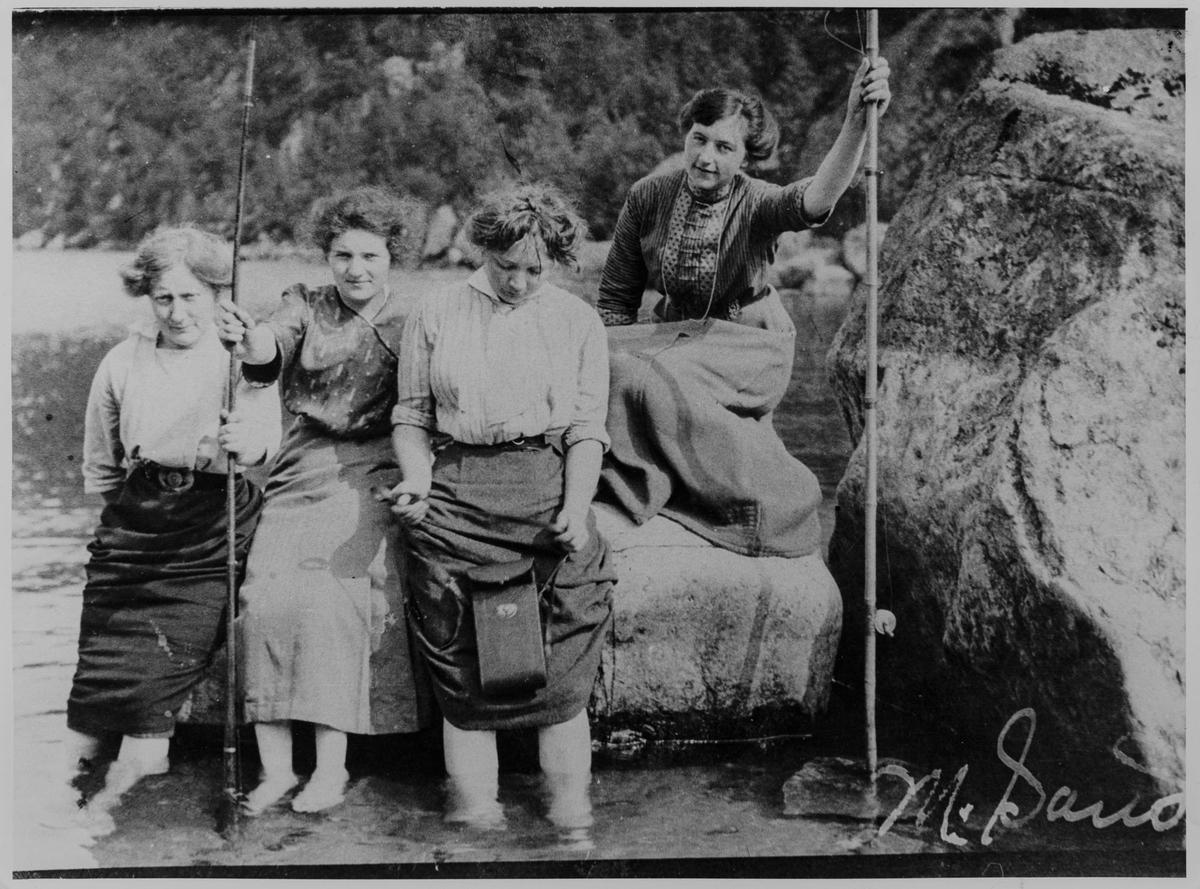 4 damer på fisketur ved Blåfjell i Sokndal