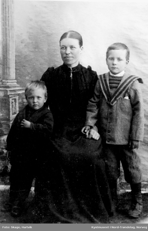 Ceselie Holmvik Johansen, Sverre Holmvik Johansen og Arnulf Holmvik Johansen