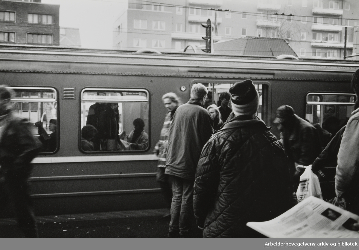 Majorstua stasjon. 17. november 1993