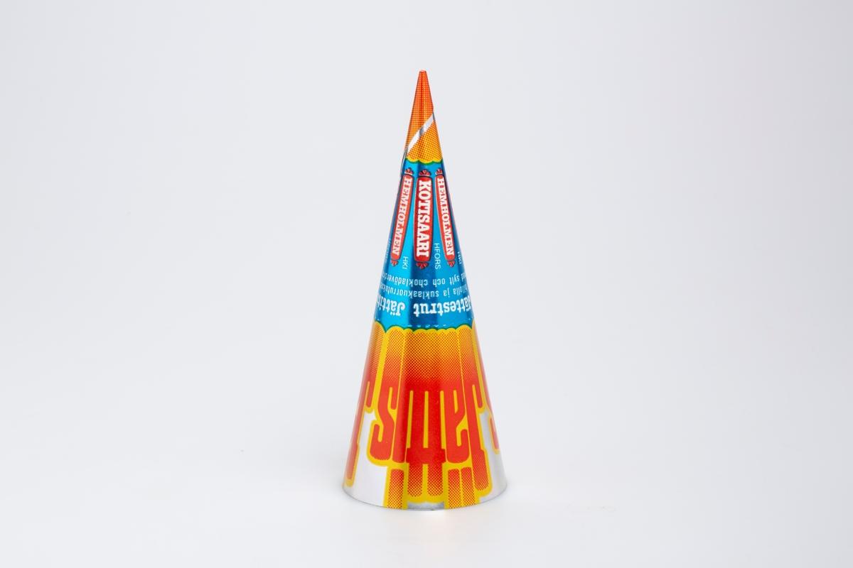 Kjegleformet iskrempapir (kremmerhus). Kremmerhuset er blankt med farger på utsiden, og matt uten farge (hvit) på innsiden. Kremmerhuset har fargefelter i sølv, blå og gul/oransje. På midten er det stiplet rivekant.