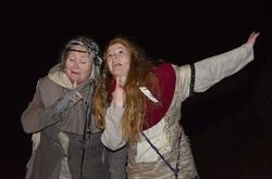 Spå-Sara og Ruske-Ragna illusterer hvordan det har gått med opprørere tidligere. (Foto/Photo)