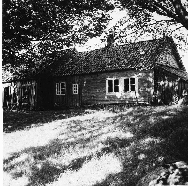 Garden Brylte, Helland øv.  Sjå også 1990.1TIM.1.060 - .065