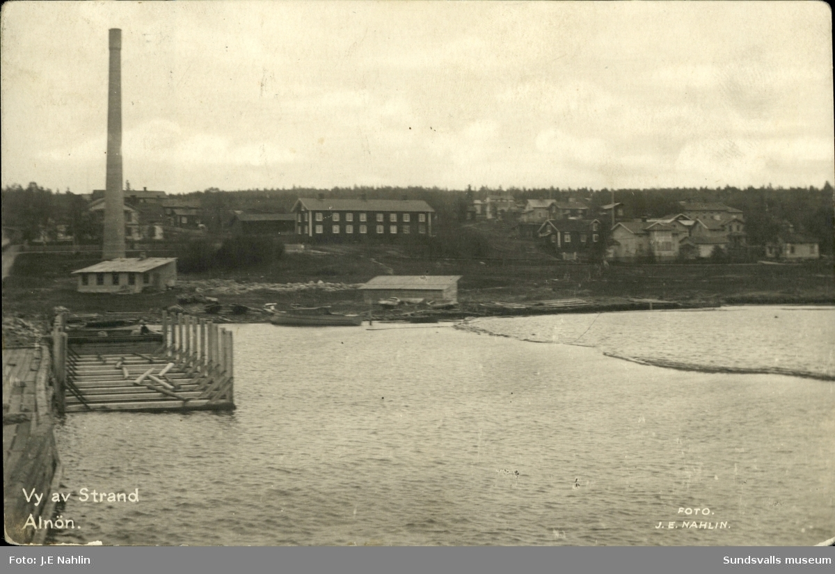 Vykort med motiv över Strand på Alnö.