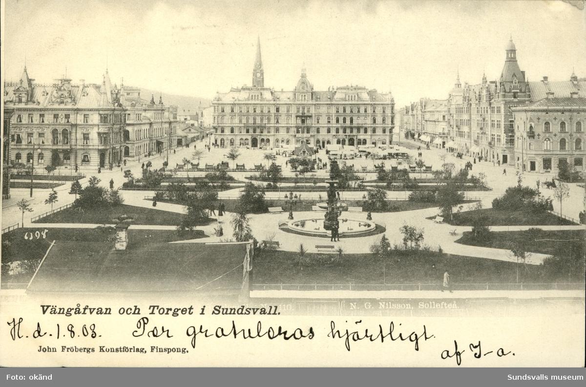 Vykort med motiv över Vängåvan och Stora torget i Sundsvall.