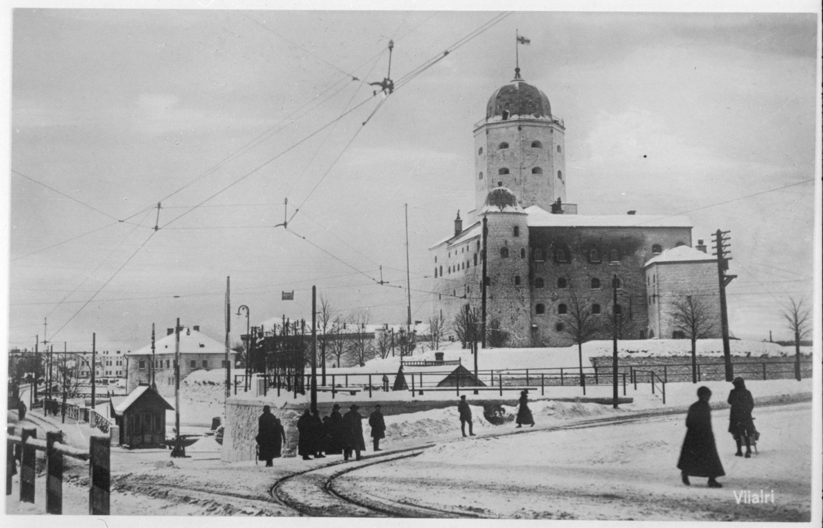 Slottet med vändslingan på Rådhustorget. Spåret på Åbobro längst till vänster. Bilden är tagen medan Viborg forfarande var finskt.