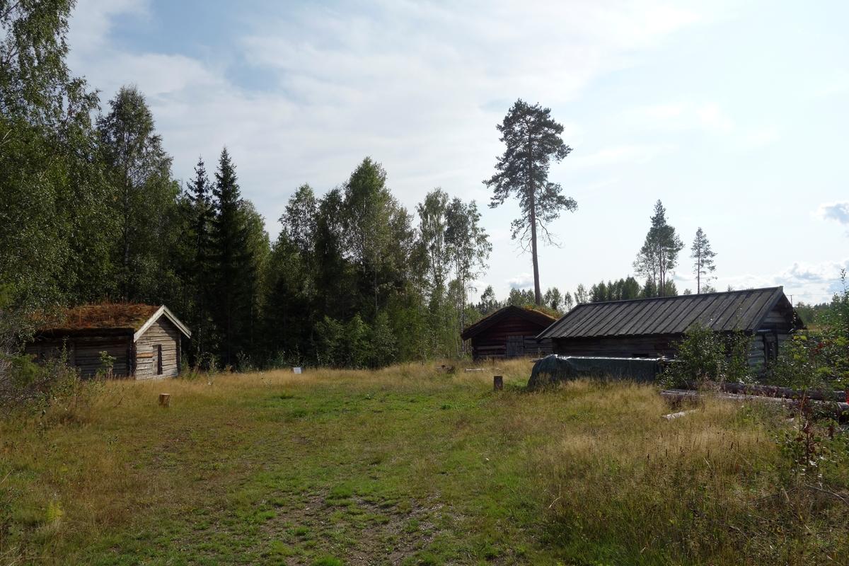 Fjøs fra Funnisaga i Nes, fra ca. 1750. Flyttet ca. 1980.
